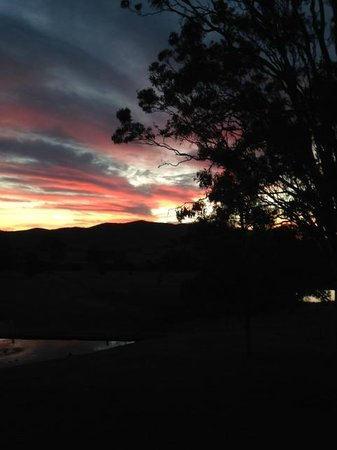 Kirkton Park Hotel Hunter Valley: Sunset view