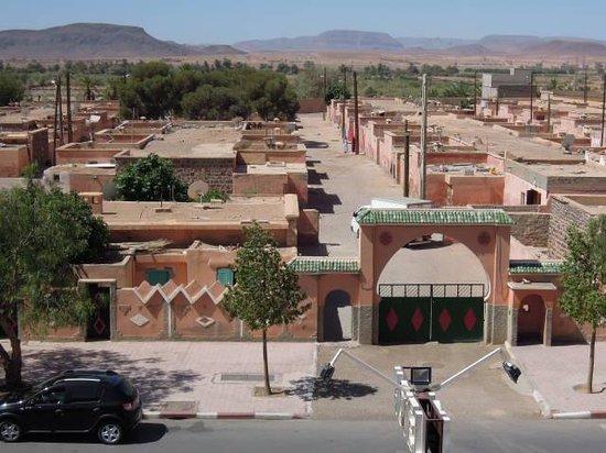 Hotel Azoul: uitzicht op militair complex