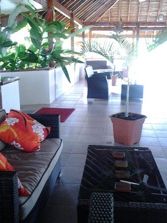 Oyster Island Resort: Nakamal Inside