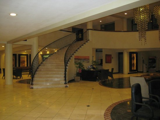 Flamingo Beach Resort And Spa: Lobby