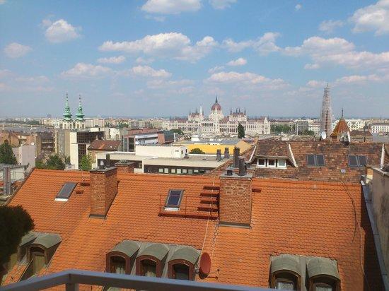 Budavar Bed & Breakfast: Вид из окна