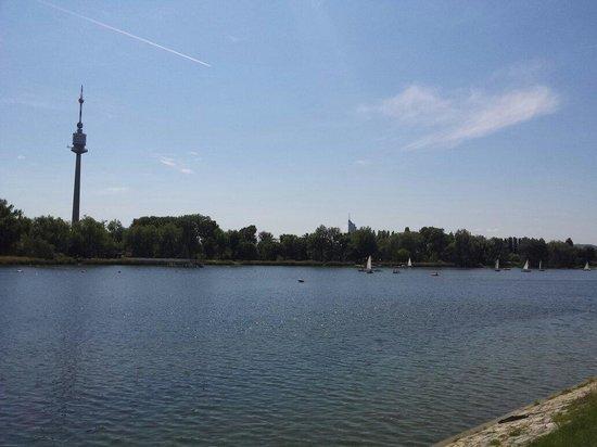 Donauinsel: SzTPÁ