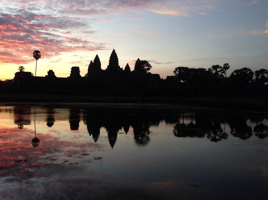 Buffalo Tours: Sunset at Ankgor Wat