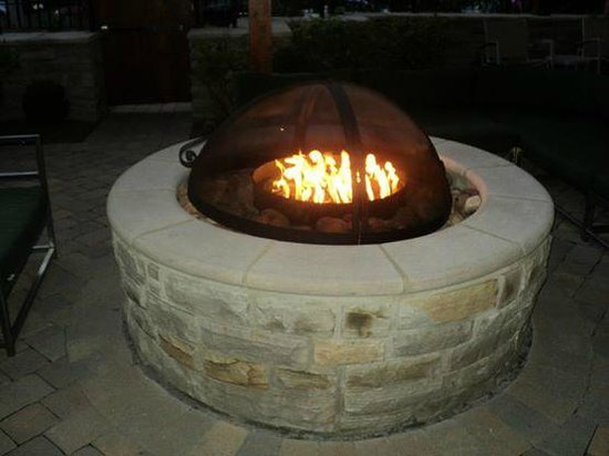 Hilton Garden Inn Gatlinburg Downtown: Firepit