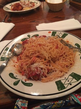 The Olive Garden: Generous Helping!! Perfectly Cooked, Excellent Taste!  Yumm!