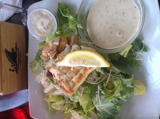 Cast and Cage Restaurant : Grouper Ceasar Salad