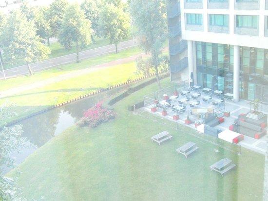 Radisson Blu Hotel Amsterdam Airport: parque del hotel