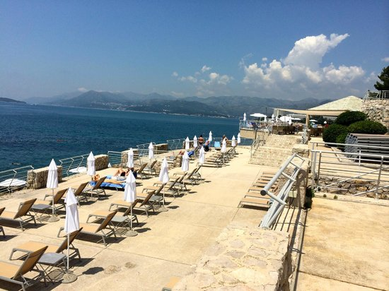 Hotel Dubrovnik Palace Beach Access And Chairs
