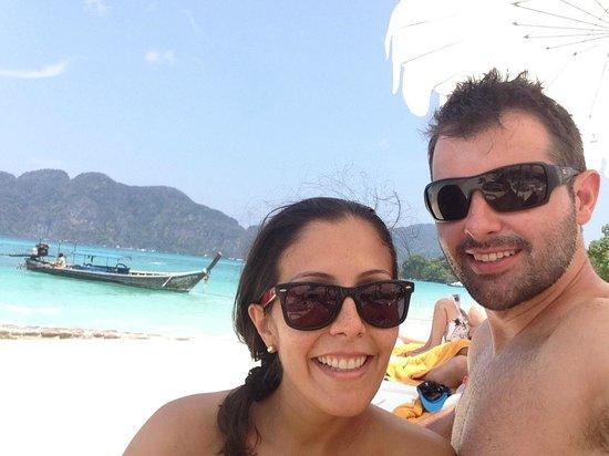 Phi Phi The Beach Resort : beach area