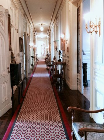 Pestana Palace Lisboa : Main building corridor