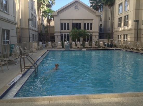 Homewood Suites Orlando-International Drive/Convention Center: nice pool .. ����