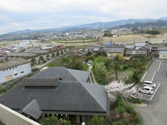 Riverside Hotel: View of the Onsen below from Room 530