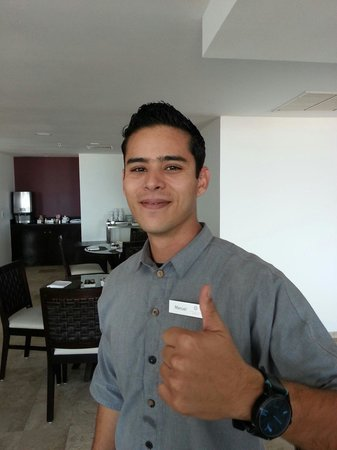 Krystal Grand Punta Cancun: Manuel,  the morning concierge in the Altitude Club Lounge.