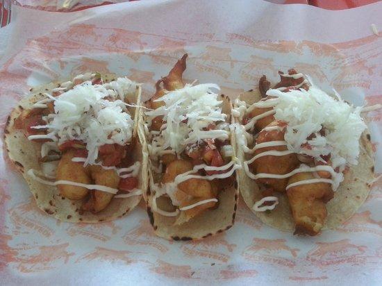 Tacamaron: fish tacos