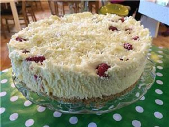 Folly Lake Cafe: pure indulgence, raspberry and white chocolate cheescake
