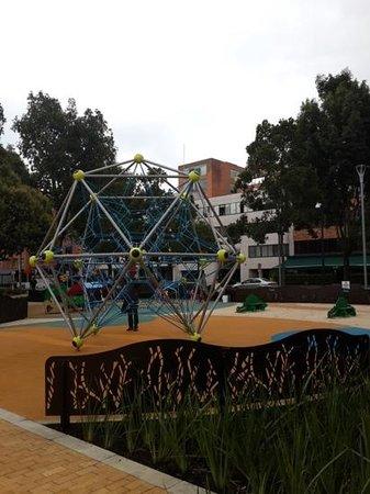 Parque 93: Juegos para niños en Parque de la 93