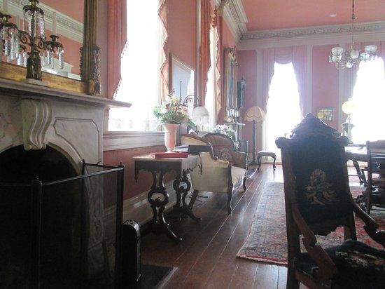 The Corners Mansion : Historic front parlor, beautiful.