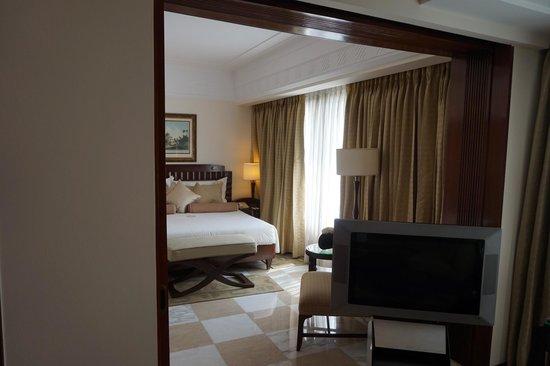 The Imperial Hotel : Art Deco suite