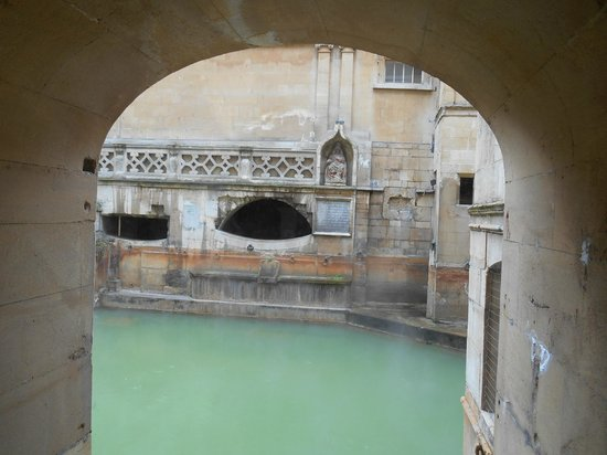 The Roman Baths: Old Seat at the Roman Bath