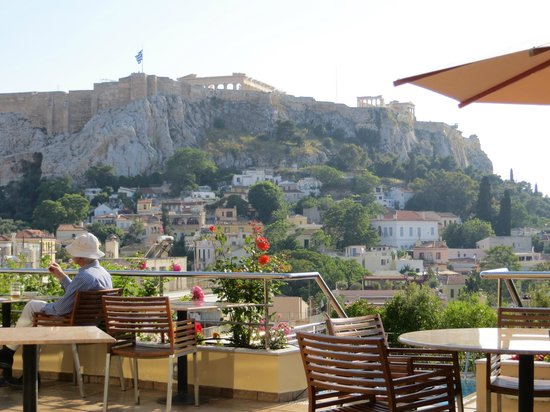 Electra Palace Athens: View of Acropolis from pool bar/deck