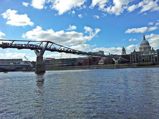 Tate Modern : Tate, Bankside - Millenium Bridge