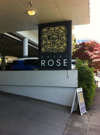 Hotel Rose - A Piece of Pineapple Hospitality: Entrance