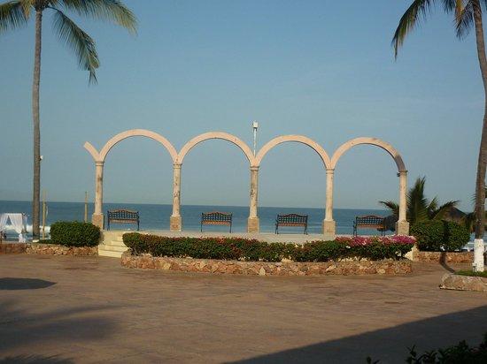 Occidental Nuevo Vallarta: LOS ARCOS