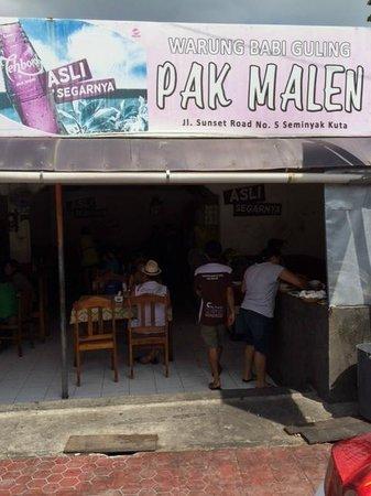 Warung Babi Guling Pak Malen: Outside 2