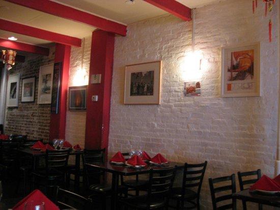 Hot Kitchen : Interior 1