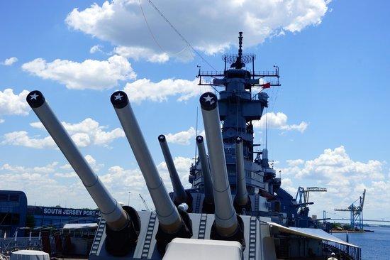 Battleship New Jersey : Big guns.