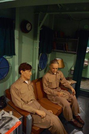Battleship New Jersey : Officer's quarters.