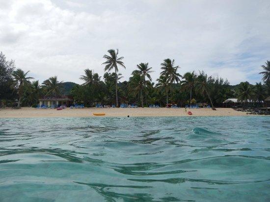 The Rarotongan Beach Resort & Spa : Looking North back to the resort
