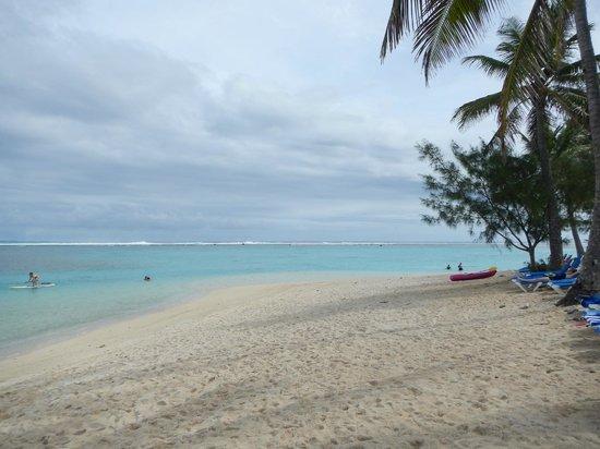 The Rarotongan Beach Resort & Spa : From the beach looking West