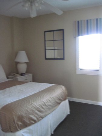 Tropic Shores Resort: One bedroom unit