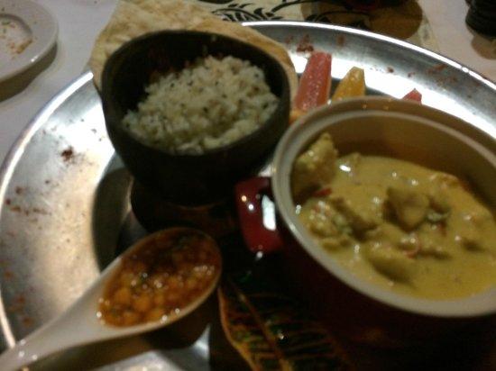 Aquana Beach Resort: Melanesian Chicken Curry