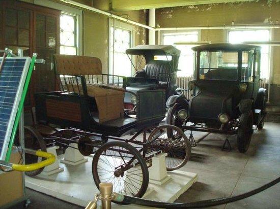 Thomas Edison National Historical Park: car garage