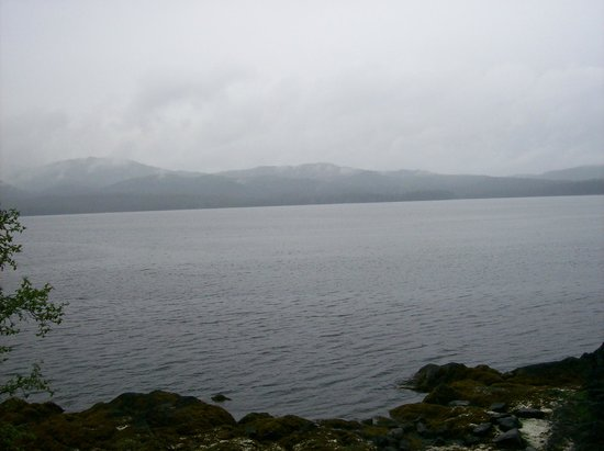 Totem Bight State Historical Park: View of the lake from Totem Bight Park