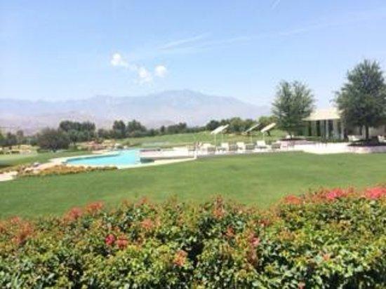 Sunnylands : pool at house