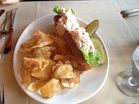 Claudio's Restaurant : Lobster Roll