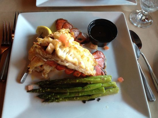 Claudio's Restaurant : Twin Lobster Tail Dinner