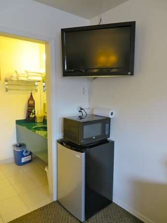Mesa Verde Motel : TV, Microwave,minifridge available