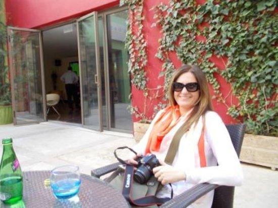 ibis Amman : Outdoor Lounge / Bar area