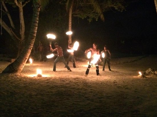 Aquana Beach Resort: Fire Dancers - Awesome Show