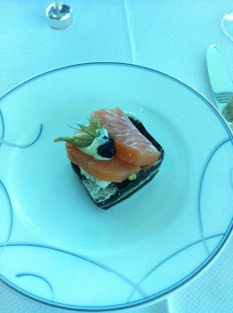 Skyview Bar : Salmon sandwich