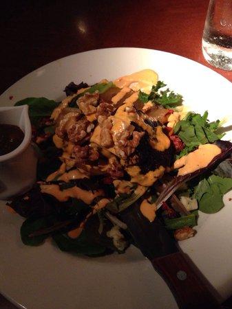 Sweet Lorraine's Cafe & Bar: Excellent steak salad entree