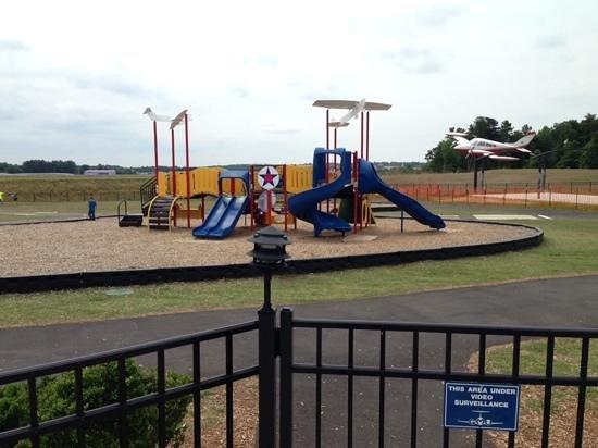 Runway Park at GMU: Wish we had this at our airport!