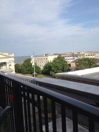 The Vendue Charleston's Art Hotel: rooftop bar