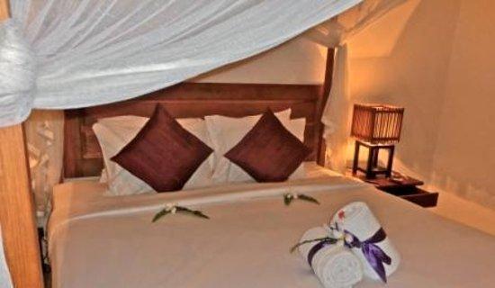 Baan Puri : Room #2 - Poolside!