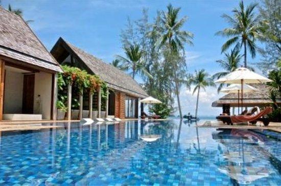 Baan Puri: Infinity Pool