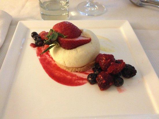 Sofitel Los Angeles at Beverly Hills: Dessert in restaurant